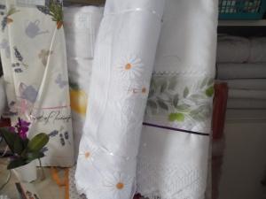 függönyvarrás székesfehérvár: készre varrt függönyök