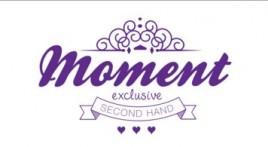 Moment exclusive second hand logó három szívvel és díszítésekkel