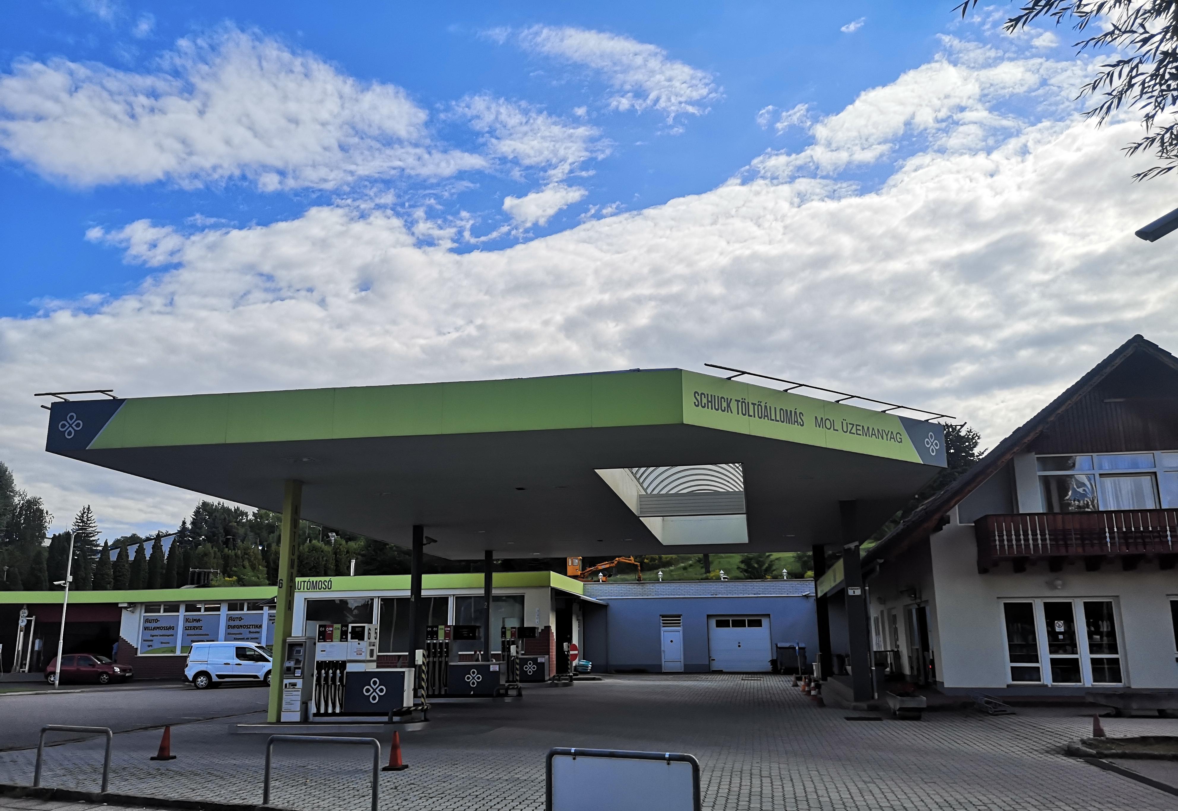 Pilisvörösvár benzinkút Pilisvörösvár autómosó
